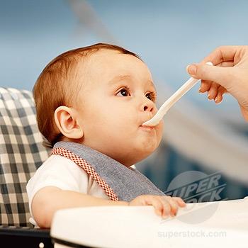 Làm gì khi bé ăn tốt nhưng không tăng cân?