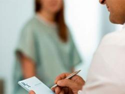 Hỏi: Uống Cephalexin có ảnh hưởng đến thai nhi?