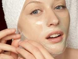 Hỏi: Có nên lột da làm đẹp?