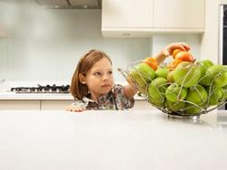 Chọn thức ăn an toàn cho trẻ